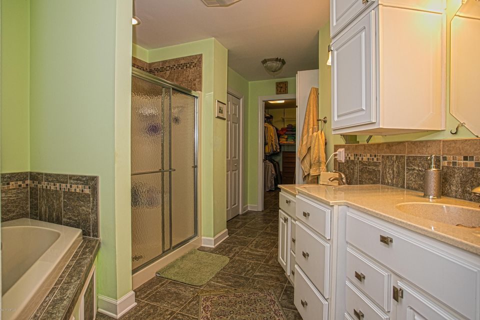 Turtle Creek Real Estate - http://cdn.resize.sparkplatform.com/ncr/1024x768/true/20170902165515650867000000-o.jpg