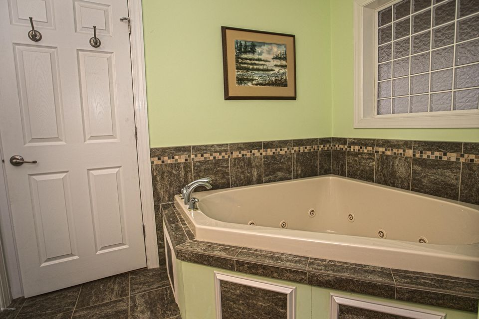 Turtle Creek Real Estate - http://cdn.resize.sparkplatform.com/ncr/1024x768/true/20170902165624844657000000-o.jpg