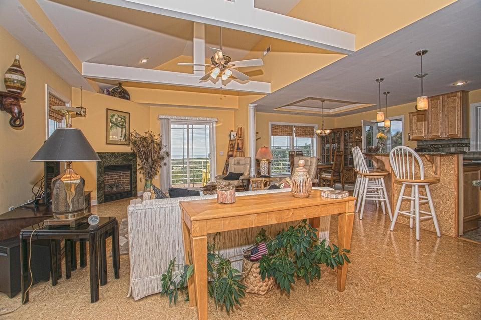 Turtle Creek Real Estate - http://cdn.resize.sparkplatform.com/ncr/1024x768/true/20170902165810517872000000-o.jpg