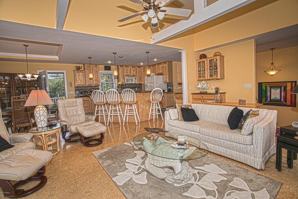 Turtle Creek Real Estate - http://cdn.resize.sparkplatform.com/ncr/1024x768/true/20170902165914661797000000-o.jpg