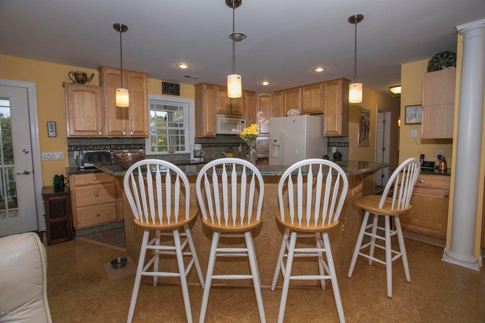 Turtle Creek Real Estate - http://cdn.resize.sparkplatform.com/ncr/1024x768/true/20170902170149575226000000-o.jpg