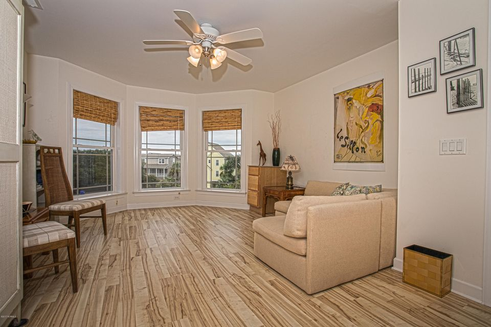 Turtle Creek Real Estate - http://cdn.resize.sparkplatform.com/ncr/1024x768/true/20170902170823971960000000-o.jpg