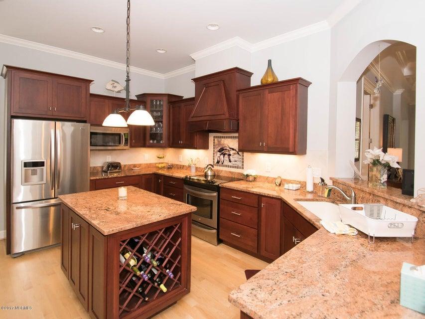 Devaun Park Real Estate - http://cdn.resize.sparkplatform.com/ncr/1024x768/true/20170902173236132340000000-o.jpg
