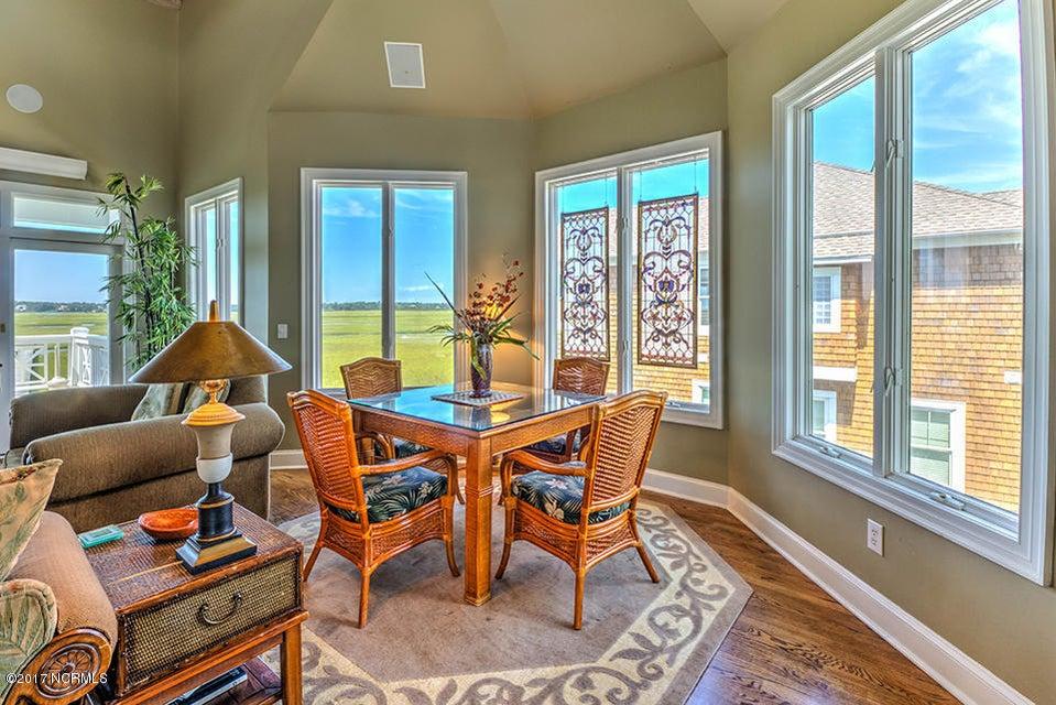 Shell Island Village Real Estate - http://cdn.resize.sparkplatform.com/ncr/1024x768/true/20170913144210911287000000-o.jpg
