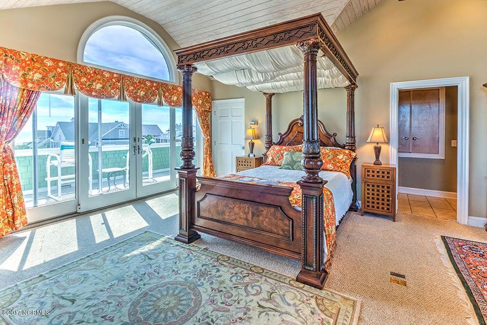 Shell Island Village Real Estate - http://cdn.resize.sparkplatform.com/ncr/1024x768/true/20170913144305878338000000-o.jpg