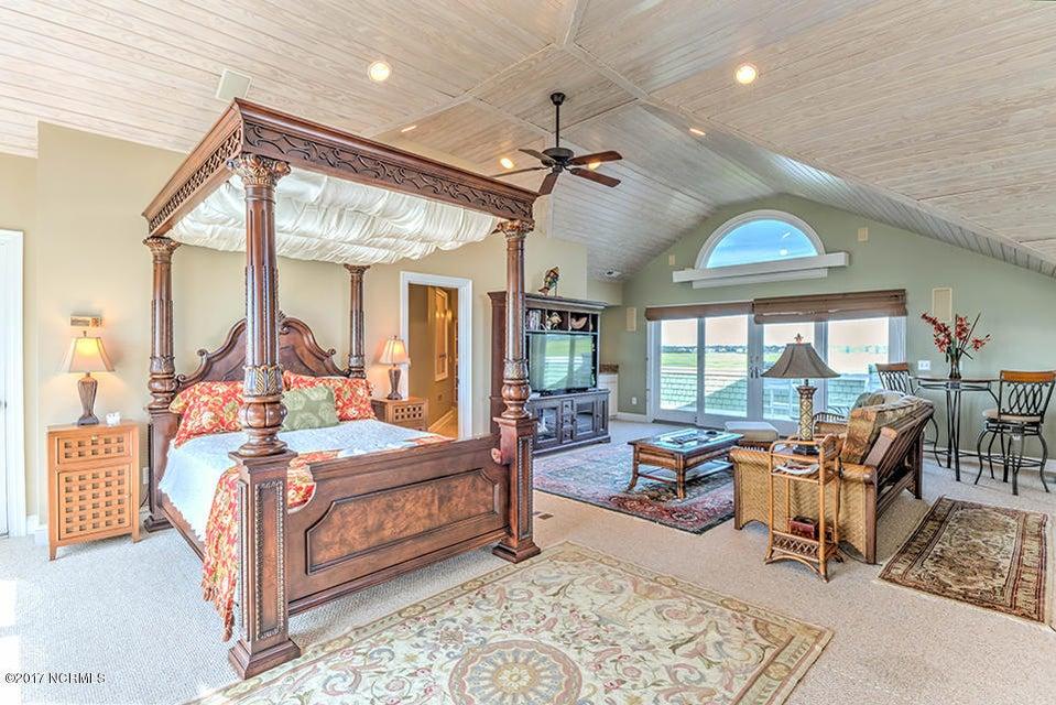 Shell Island Village Real Estate - http://cdn.resize.sparkplatform.com/ncr/1024x768/true/20170913144308133849000000-o.jpg