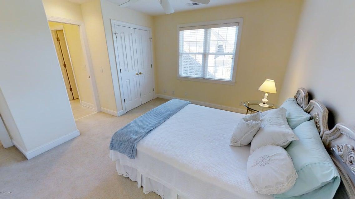 Ocean Ridge Real Estate - http://cdn.resize.sparkplatform.com/ncr/1024x768/true/20170914145027713129000000-o.jpg