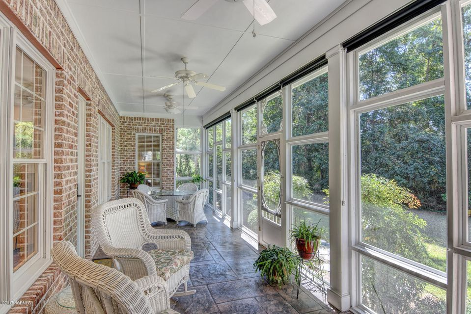 Porters Neck Plantation Real Estate - http://cdn.resize.sparkplatform.com/ncr/1024x768/true/20170915205459626486000000-o.jpg