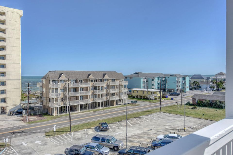 Wilmington Beach Real Estate - http://cdn.resize.sparkplatform.com/ncr/1024x768/true/20170915210806591105000000-o.jpg