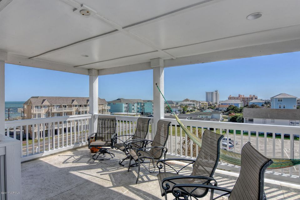 Wilmington Beach Real Estate - http://cdn.resize.sparkplatform.com/ncr/1024x768/true/20170915210812067216000000-o.jpg