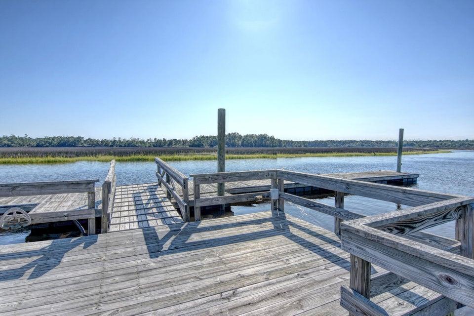 Winding River Plantation Real Estate - http://cdn.resize.sparkplatform.com/ncr/1024x768/true/20170915223438703042000000-o.jpg