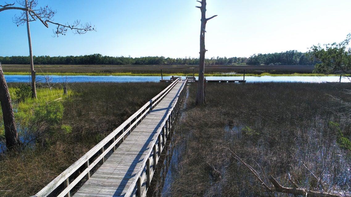 Winding River Plantation Real Estate - http://cdn.resize.sparkplatform.com/ncr/1024x768/true/20170915223615296677000000-o.jpg