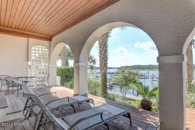 Oceana Real Estate - http://cdn.resize.sparkplatform.com/ncr/1024x768/true/20170918165243682425000000-o.jpg