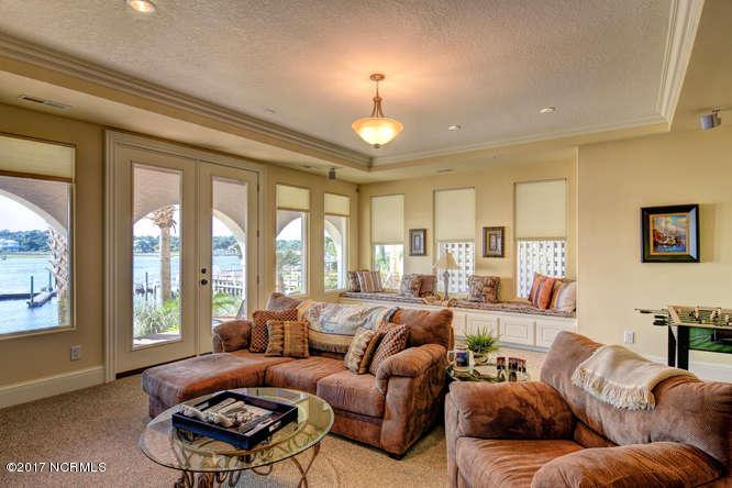 Oceana Real Estate - http://cdn.resize.sparkplatform.com/ncr/1024x768/true/20170918165659557674000000-o.jpg