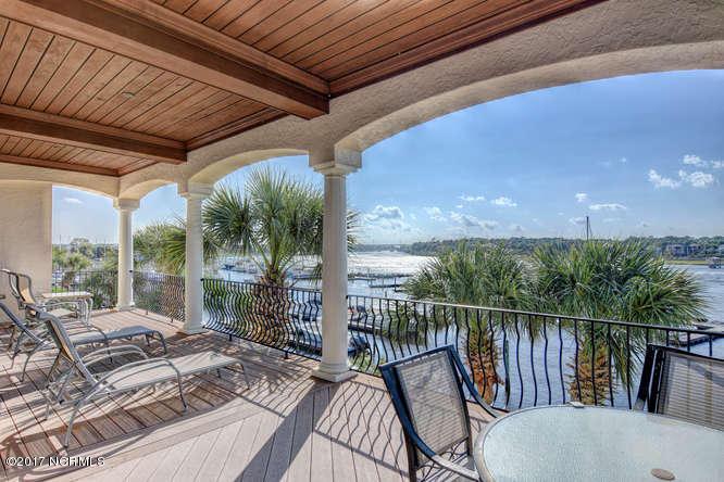 Oceana Real Estate - http://cdn.resize.sparkplatform.com/ncr/1024x768/true/20170918165708605160000000-o.jpg