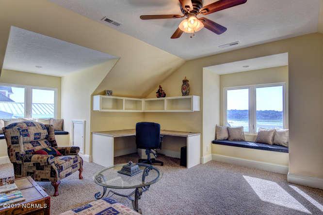 Oceana Real Estate - http://cdn.resize.sparkplatform.com/ncr/1024x768/true/20170918165757774237000000-o.jpg