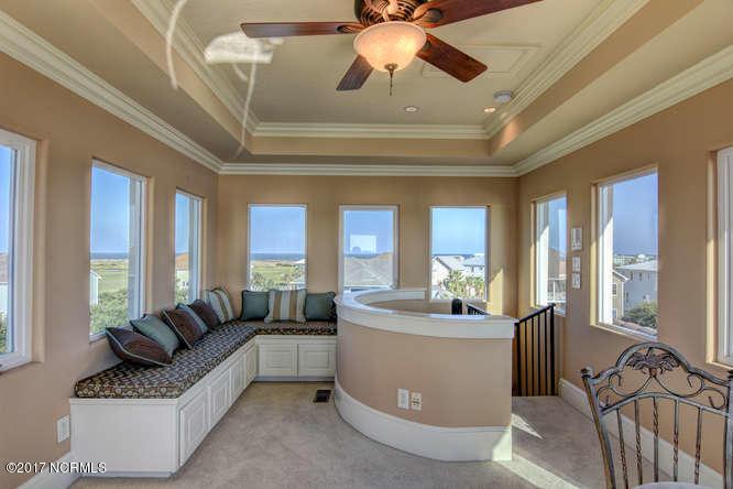 Oceana Real Estate - http://cdn.resize.sparkplatform.com/ncr/1024x768/true/20170918165849100173000000-o.jpg