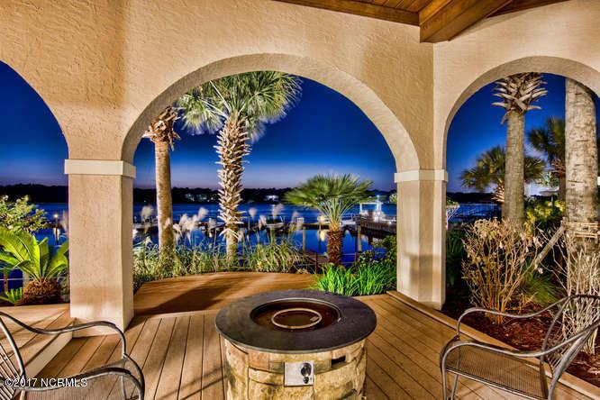 Oceana Real Estate - http://cdn.resize.sparkplatform.com/ncr/1024x768/true/20170918170025354304000000-o.jpg