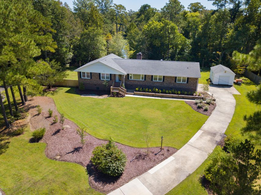 214 Riverside Drive,Havelock,North Carolina,3 Bedrooms Bedrooms,8 Rooms Rooms,2 BathroomsBathrooms,Single family residence,Riverside,100051389