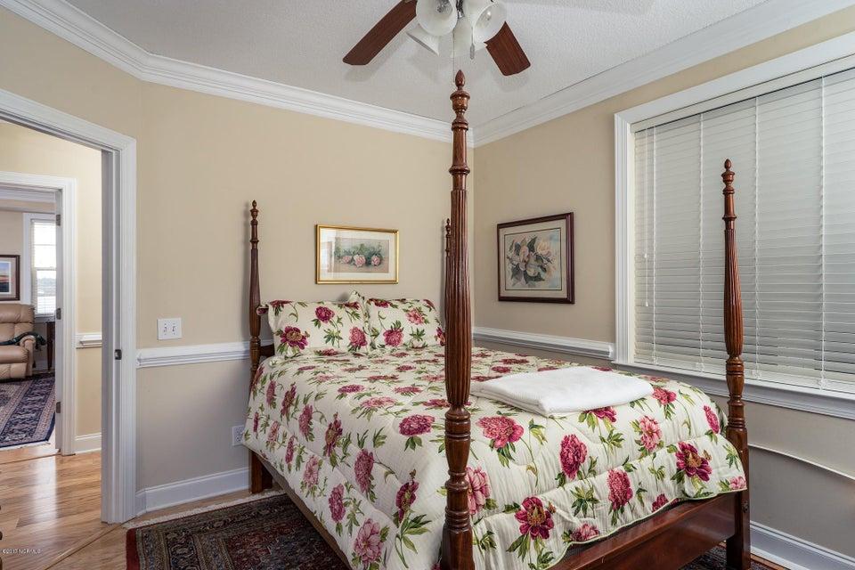 The Preserve at Oak Island Real Estate - http://cdn.resize.sparkplatform.com/ncr/1024x768/true/20170919160724390381000000-o.jpg