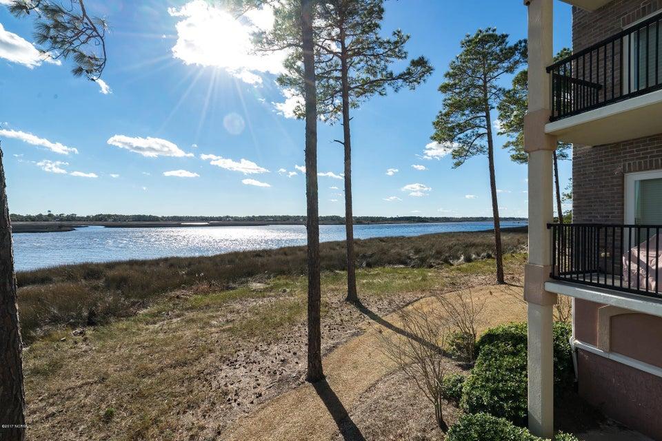 The Preserve at Oak Island Real Estate - http://cdn.resize.sparkplatform.com/ncr/1024x768/true/20170919160740133606000000-o.jpg