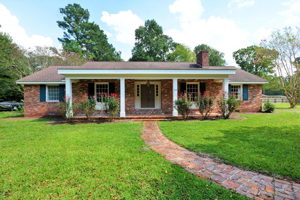 Property for sale at 208 Camelia Drive, Washington,  NC 27889