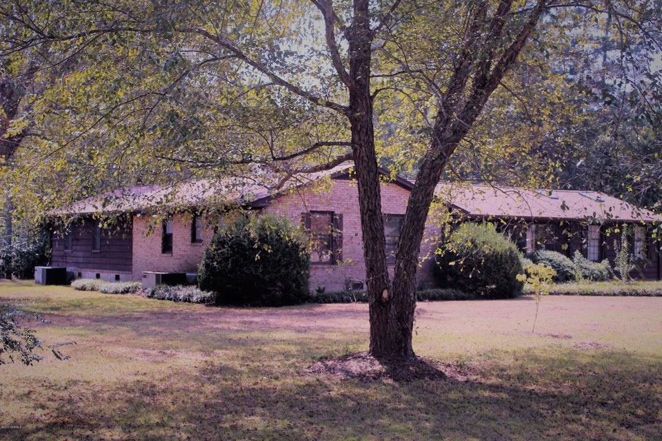 Forest Acres Real Estate - http://cdn.resize.sparkplatform.com/ncr/1024x768/true/20170920225606141510000000-o.jpg