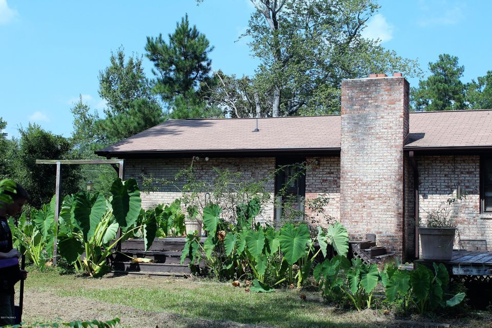 Forest Acres Real Estate - http://cdn.resize.sparkplatform.com/ncr/1024x768/true/20170920225814342614000000-o.jpg