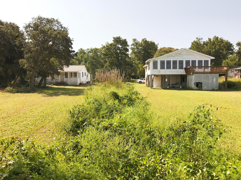 Tranquil Harbor Real Estate - http://cdn.resize.sparkplatform.com/ncr/1024x768/true/20170921163534567604000000-o.jpg