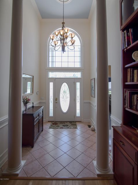 St James Real Estate - http://cdn.resize.sparkplatform.com/ncr/1024x768/true/20170922150901144636000000-o.jpg