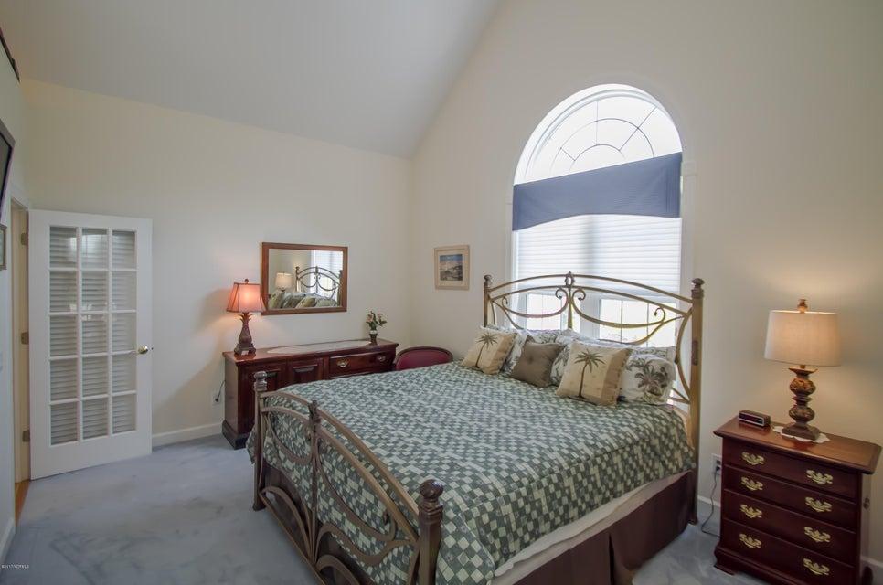 St James Real Estate - http://cdn.resize.sparkplatform.com/ncr/1024x768/true/20170922150918905190000000-o.jpg