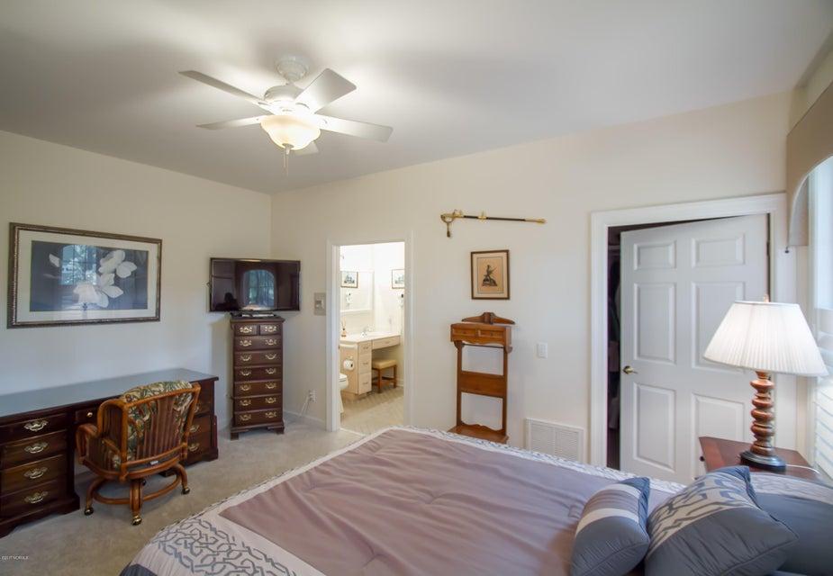 St James Real Estate - http://cdn.resize.sparkplatform.com/ncr/1024x768/true/20170922150952478877000000-o.jpg