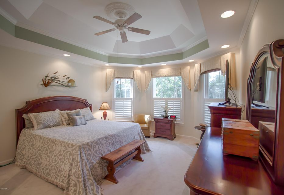 St James Real Estate - http://cdn.resize.sparkplatform.com/ncr/1024x768/true/20170922151005556987000000-o.jpg