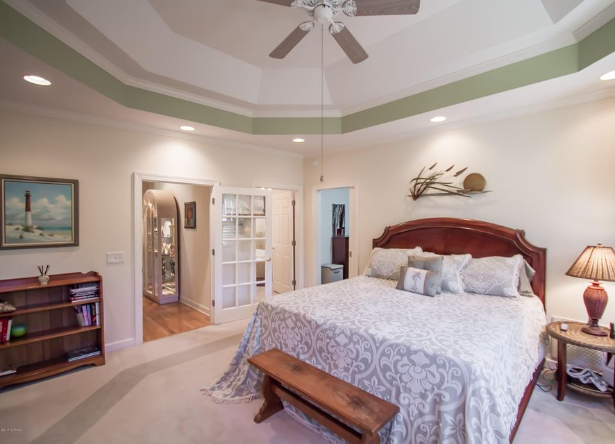 St James Real Estate - http://cdn.resize.sparkplatform.com/ncr/1024x768/true/20170922151015247668000000-o.jpg