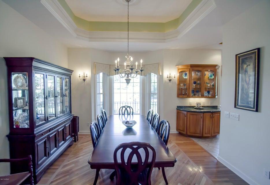 St James Real Estate - http://cdn.resize.sparkplatform.com/ncr/1024x768/true/20170922151109894508000000-o.jpg