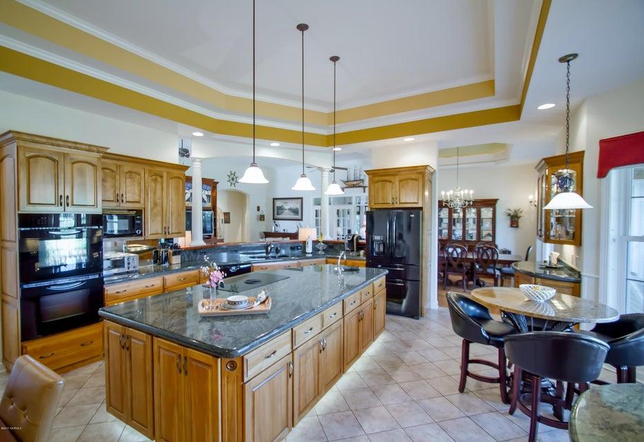 St James Real Estate - http://cdn.resize.sparkplatform.com/ncr/1024x768/true/20170922151122171184000000-o.jpg