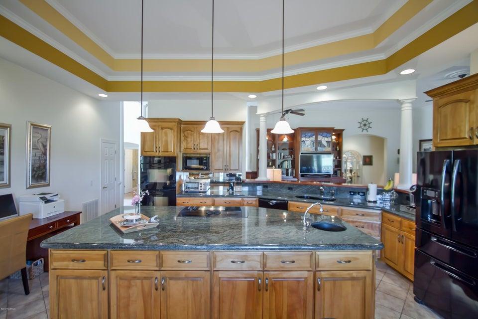St James Real Estate - http://cdn.resize.sparkplatform.com/ncr/1024x768/true/20170922151130142390000000-o.jpg