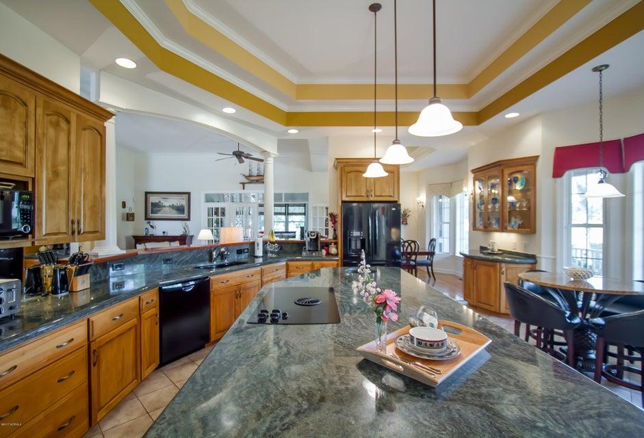St James Real Estate - http://cdn.resize.sparkplatform.com/ncr/1024x768/true/20170922151136354950000000-o.jpg