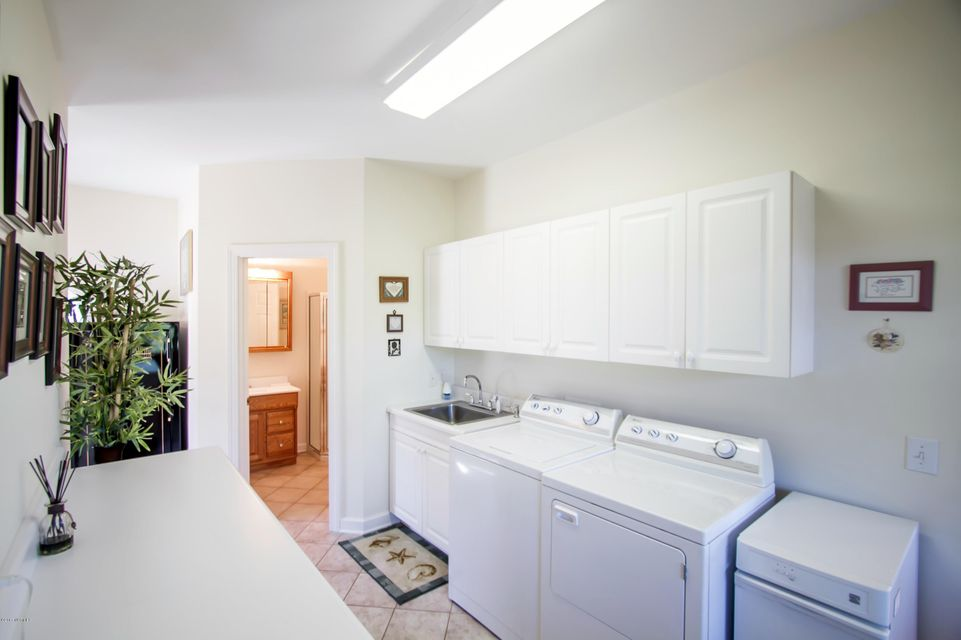 St James Real Estate - http://cdn.resize.sparkplatform.com/ncr/1024x768/true/20170922151157611366000000-o.jpg