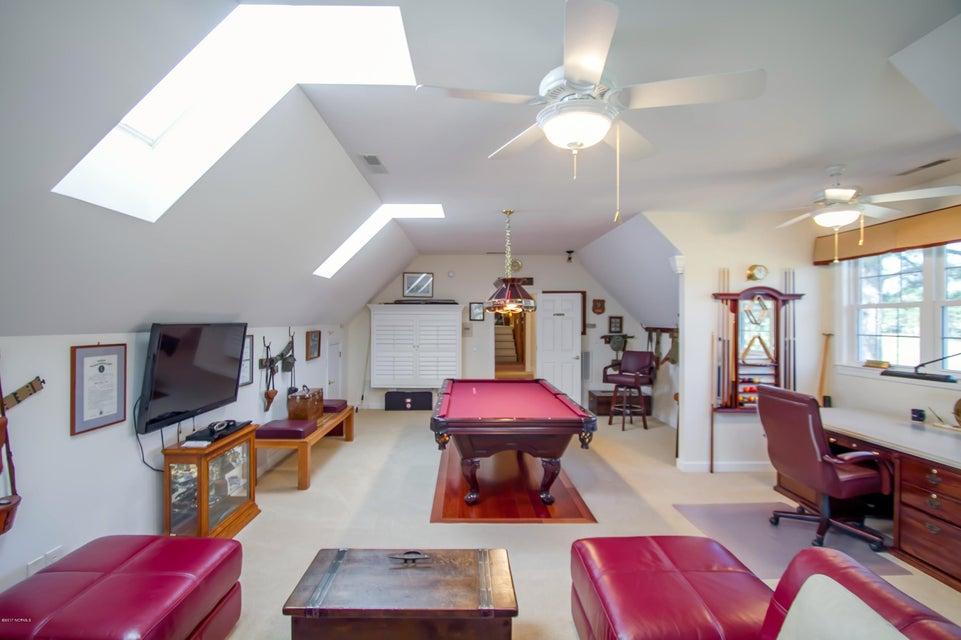 St James Real Estate - http://cdn.resize.sparkplatform.com/ncr/1024x768/true/20170922151206344715000000-o.jpg