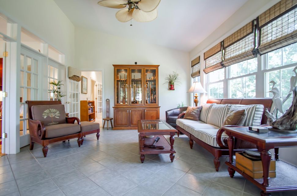 St James Real Estate - http://cdn.resize.sparkplatform.com/ncr/1024x768/true/20170922151248990376000000-o.jpg