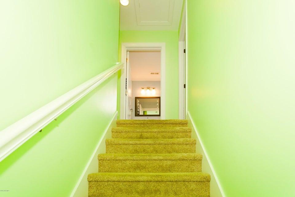 E. Long Beach Real Estate - http://cdn.resize.sparkplatform.com/ncr/1024x768/true/20170923222727914165000000-o.jpg