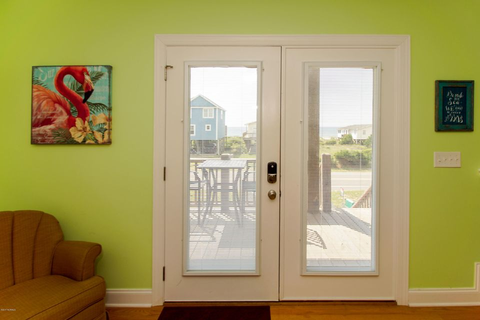 E. Long Beach Real Estate - http://cdn.resize.sparkplatform.com/ncr/1024x768/true/20170923222743212652000000-o.jpg