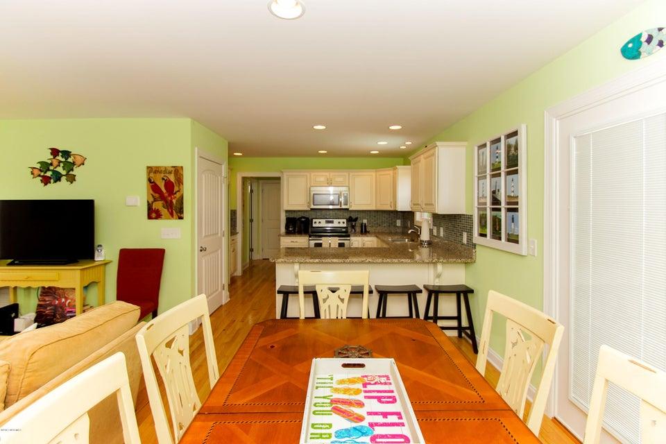 E. Long Beach Real Estate - http://cdn.resize.sparkplatform.com/ncr/1024x768/true/20170923222803972542000000-o.jpg