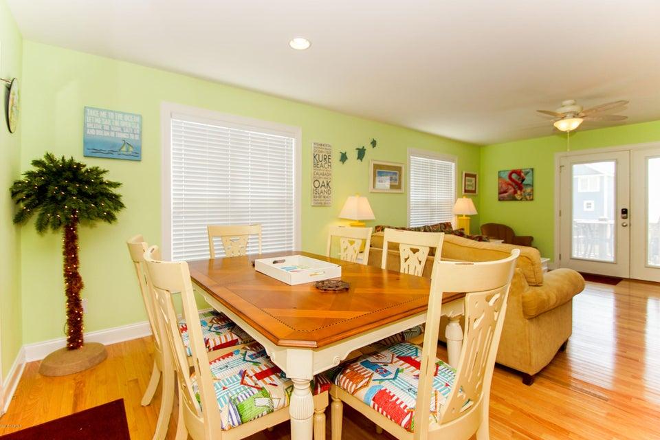 E. Long Beach Real Estate - http://cdn.resize.sparkplatform.com/ncr/1024x768/true/20170923222812509662000000-o.jpg