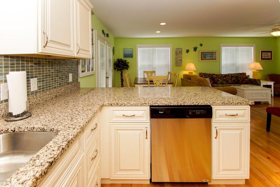 E. Long Beach Real Estate - http://cdn.resize.sparkplatform.com/ncr/1024x768/true/20170923222834975135000000-o.jpg