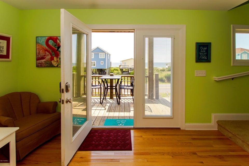 E. Long Beach Real Estate - http://cdn.resize.sparkplatform.com/ncr/1024x768/true/20170923222901700068000000-o.jpg