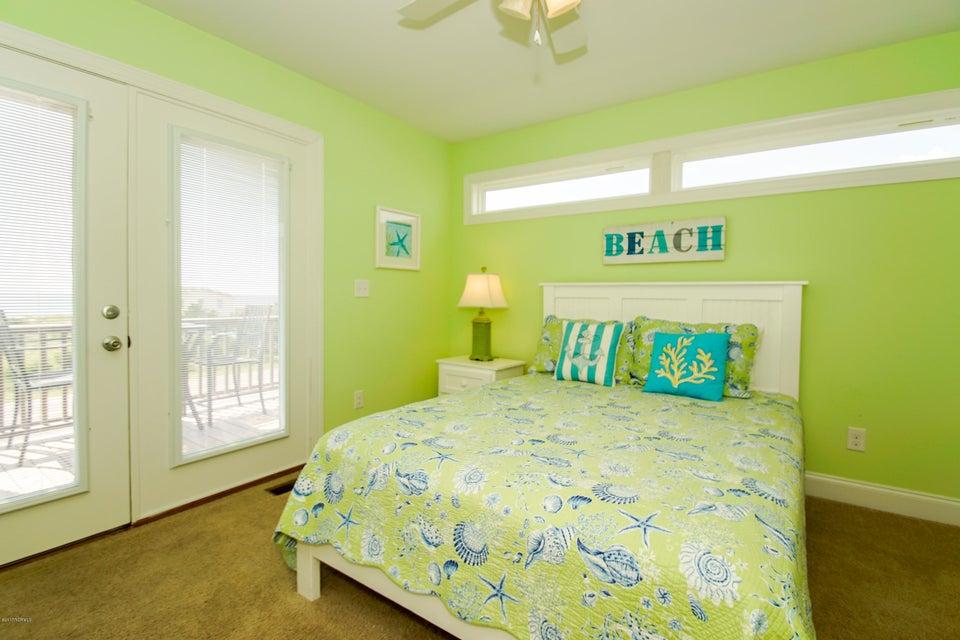 E. Long Beach Real Estate - http://cdn.resize.sparkplatform.com/ncr/1024x768/true/20170923223002592338000000-o.jpg