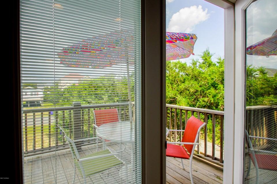 E. Long Beach Real Estate - http://cdn.resize.sparkplatform.com/ncr/1024x768/true/20170923223043239989000000-o.jpg