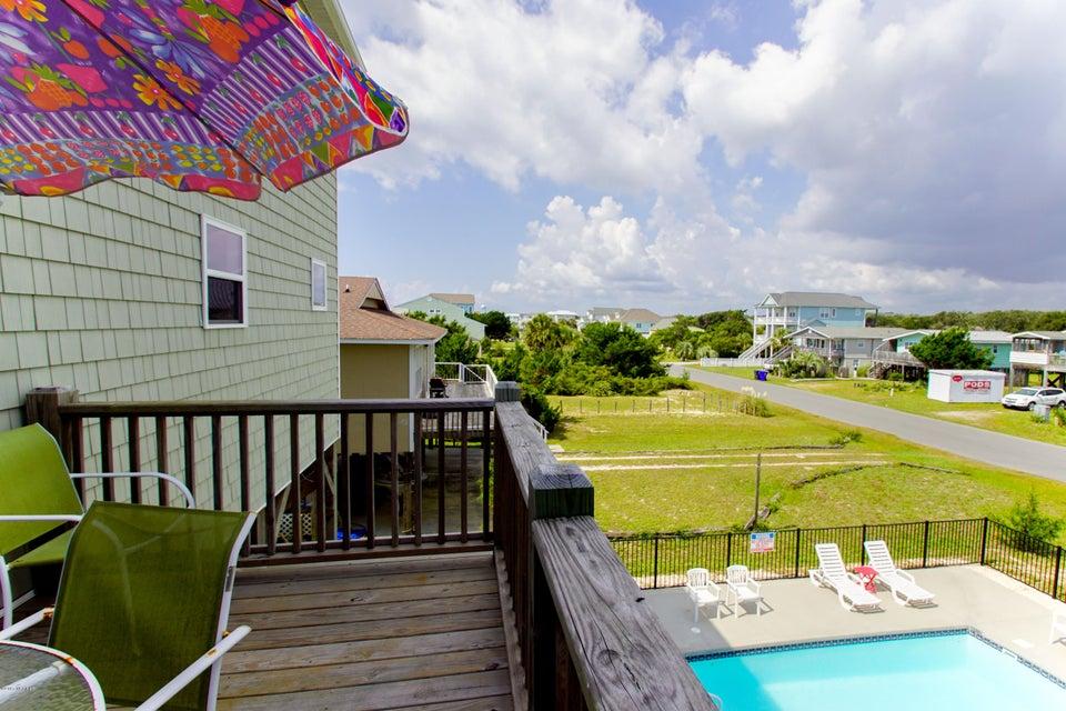 E. Long Beach Real Estate - http://cdn.resize.sparkplatform.com/ncr/1024x768/true/20170923223054313927000000-o.jpg